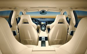 Luxusný interiér auta